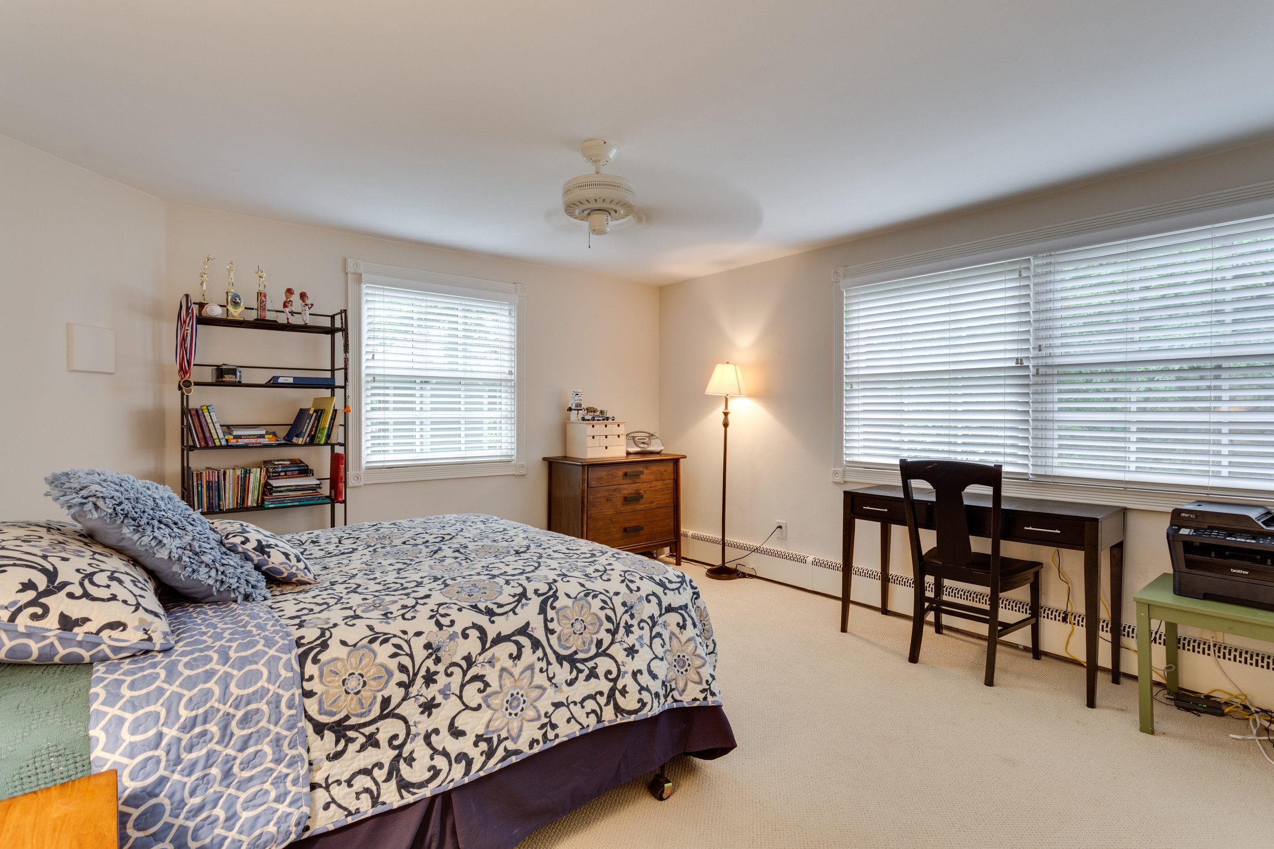 1519 Crestwood Ln McLean VA-print-047-47-Bedroom-4200x2800-300dpi.jpg