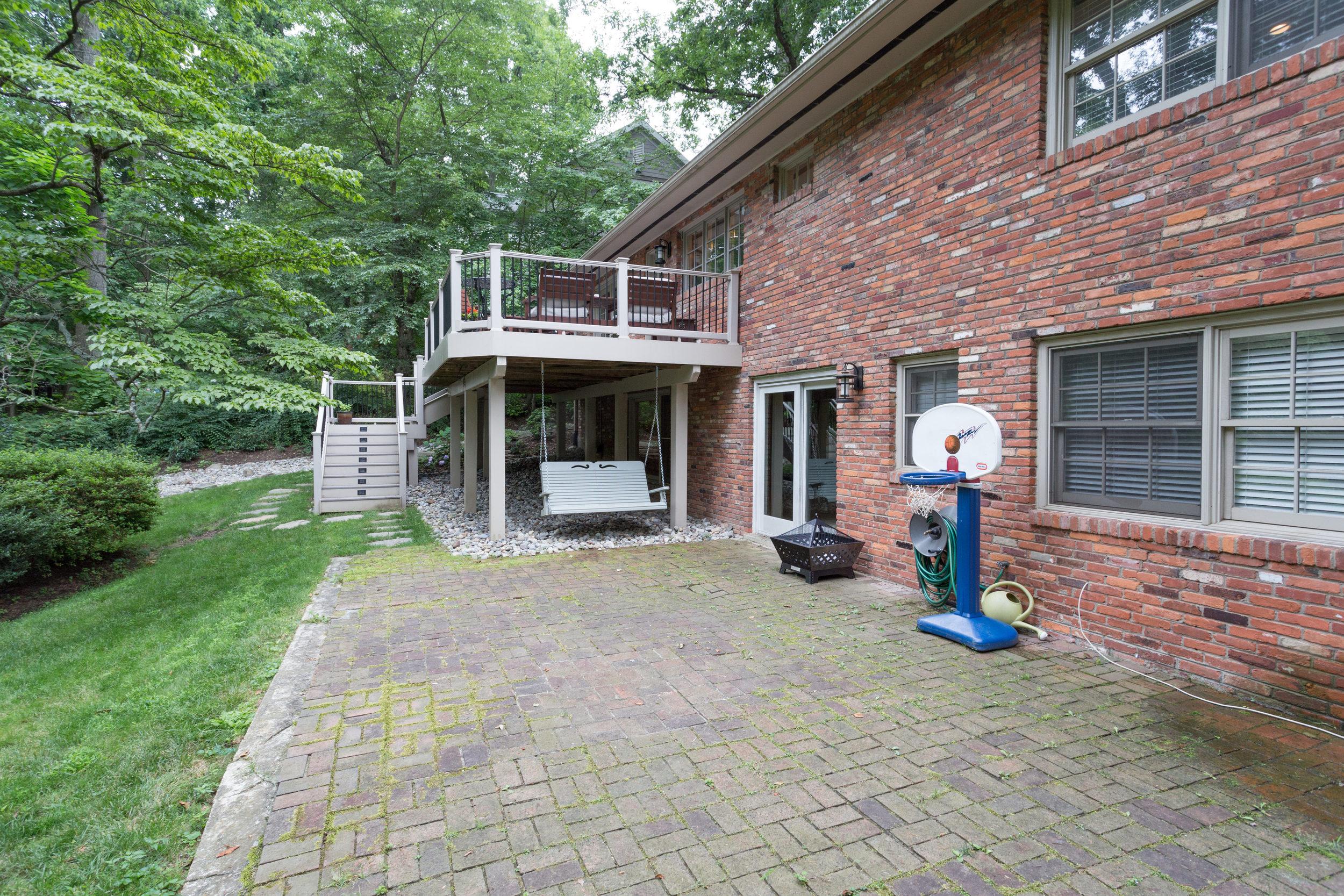 1519 Crestwood Ln McLean VA-print-010-10-Exterior  Back-4200x2800-300dpi.jpg