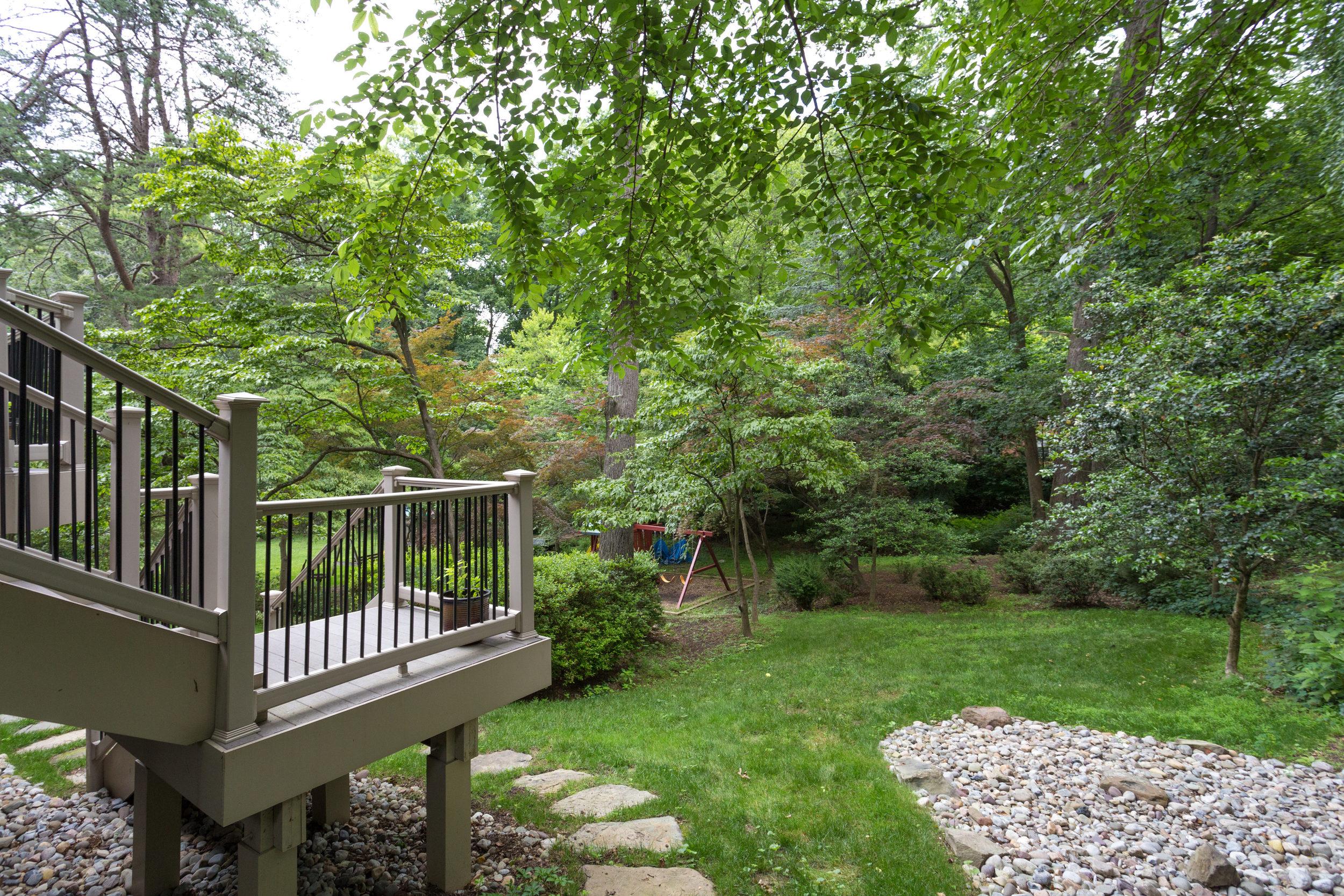 1519 Crestwood Ln McLean VA-print-005-5-Exterior  Back-4200x2800-300dpi.jpg