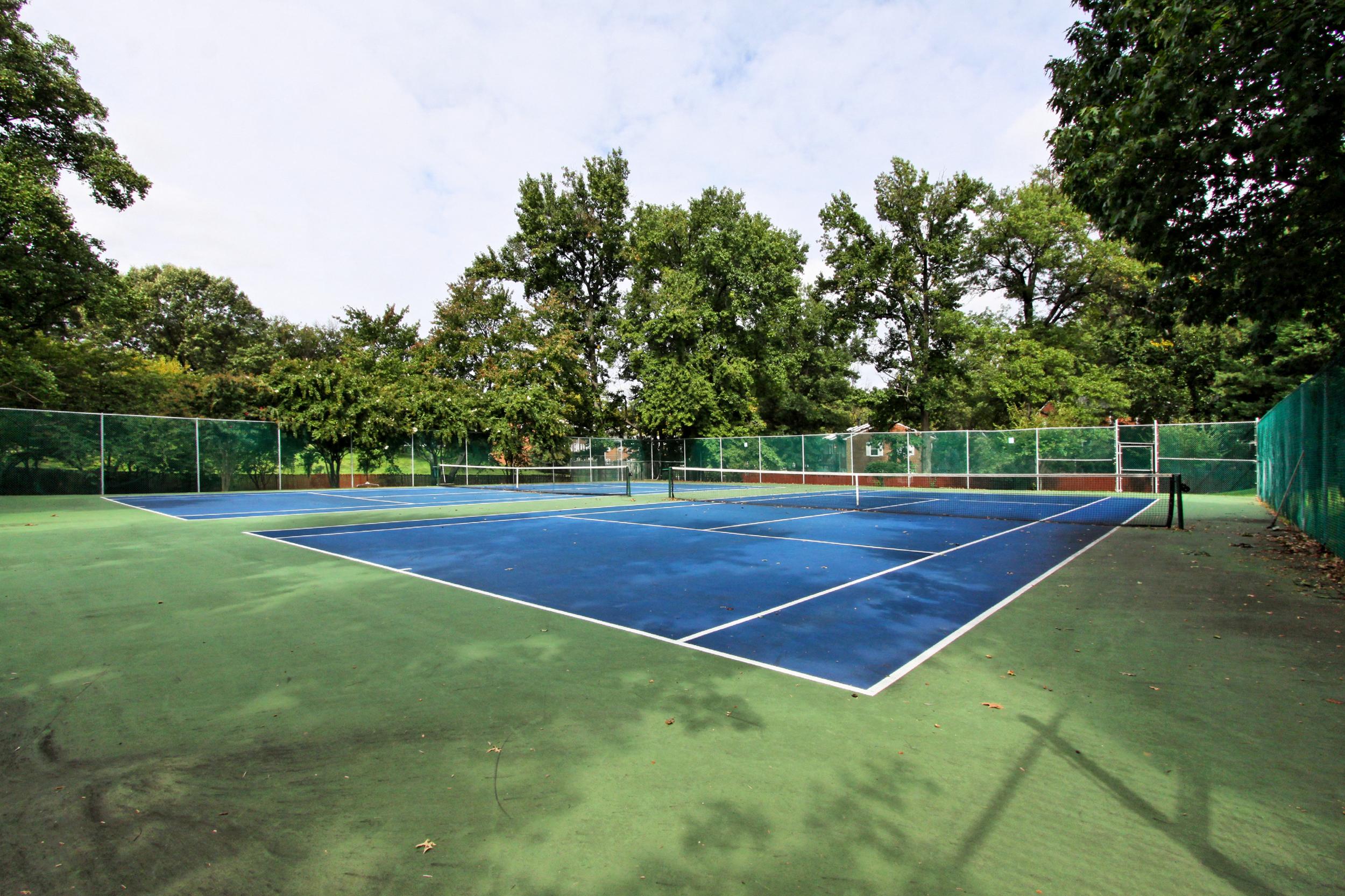 36th St tennis.jpg