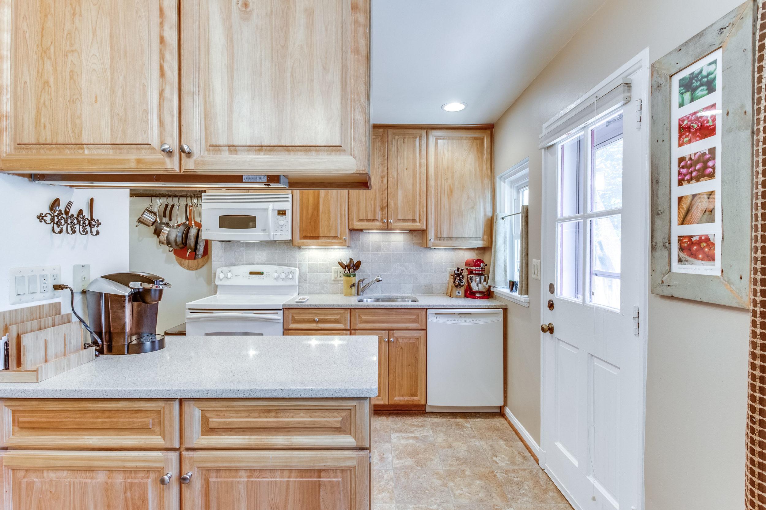 4631 34th St S Arlington VA-print-026-22-Kitchen-4200x2800-300dpi.jpg