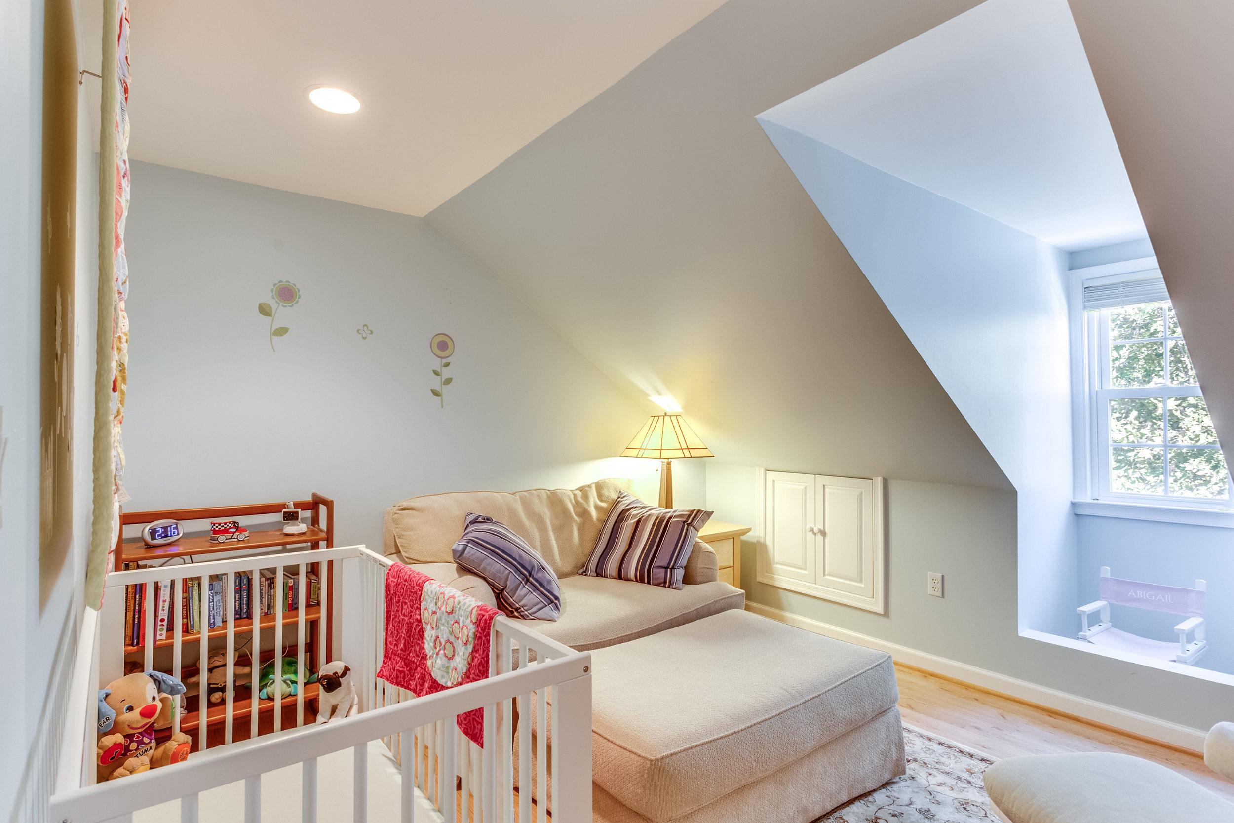 4631 34th St S Arlington VA-print-057-54-Bedroom-4200x2800-300dpi.jpg
