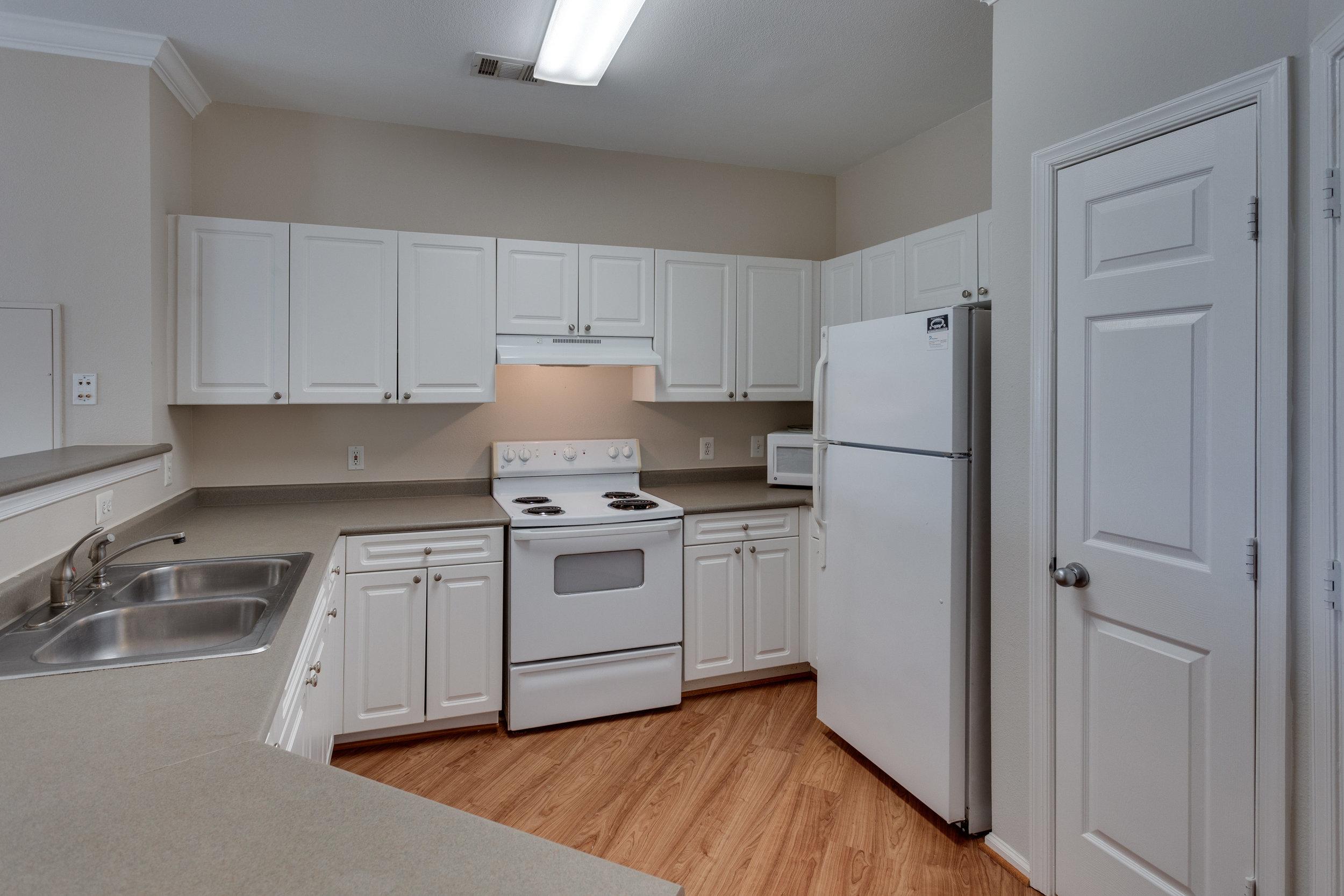 3009 Nicosh Cir Unit 4301-print-005-31-Kitchen-4200x2800-300dpi.jpg
