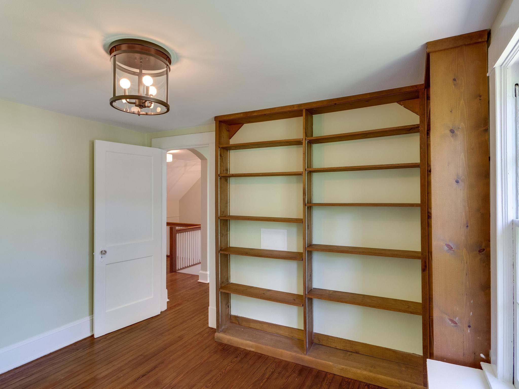 4903 Washington Blvd Arlington-MLS_Size-050-55-Bedroom 5-2048x1536-72dpi.jpg