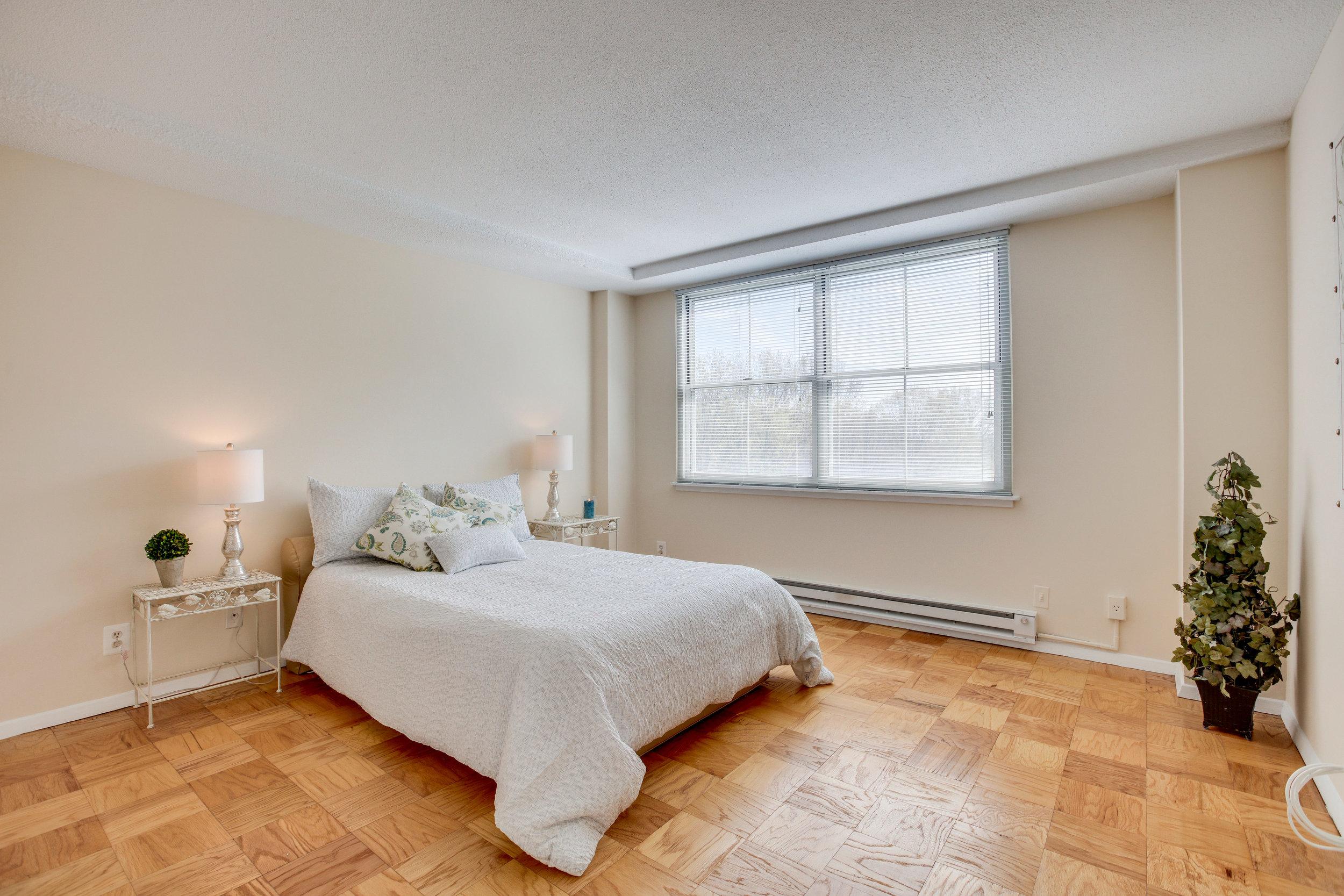 2030 N Adams St 1002 Arlington-print-026-96-Bedroom-4200x2800-300dpi.jpg