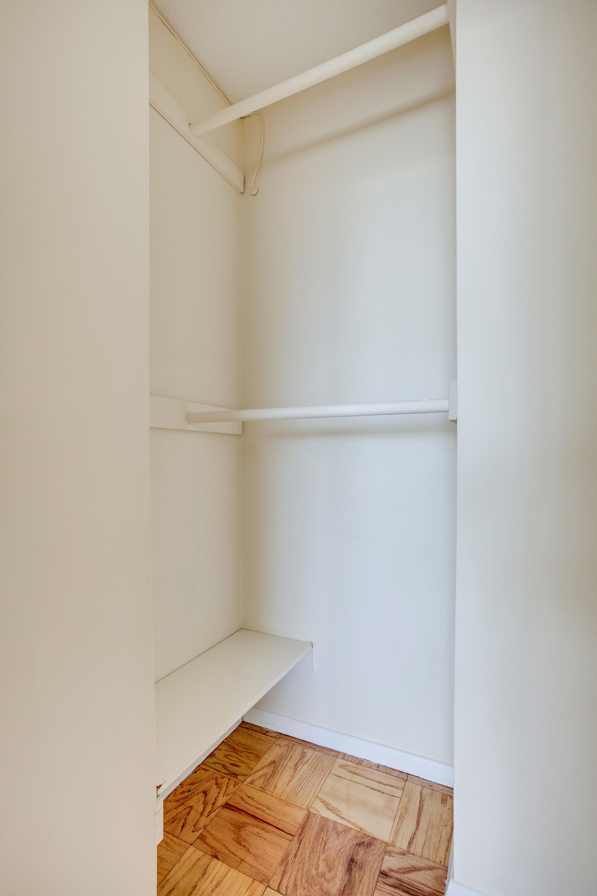 2030 N Adams St 1002 Arlington-print-032-78-Closet-2801x4200-300dpi.jpg