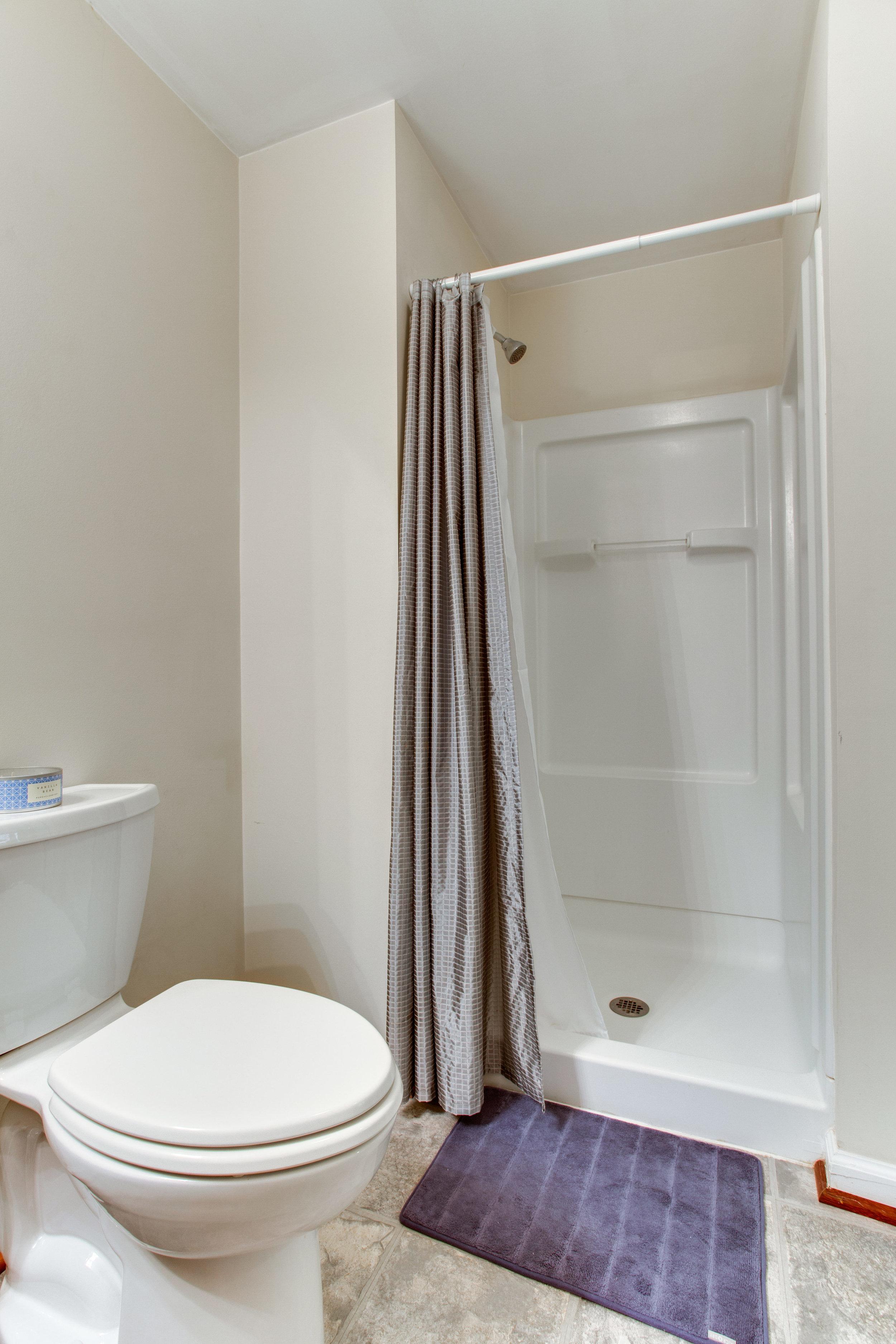 13939 Winding Ridge Ln-print-030-63-Bathroom-2801x4200-300dpi.jpg