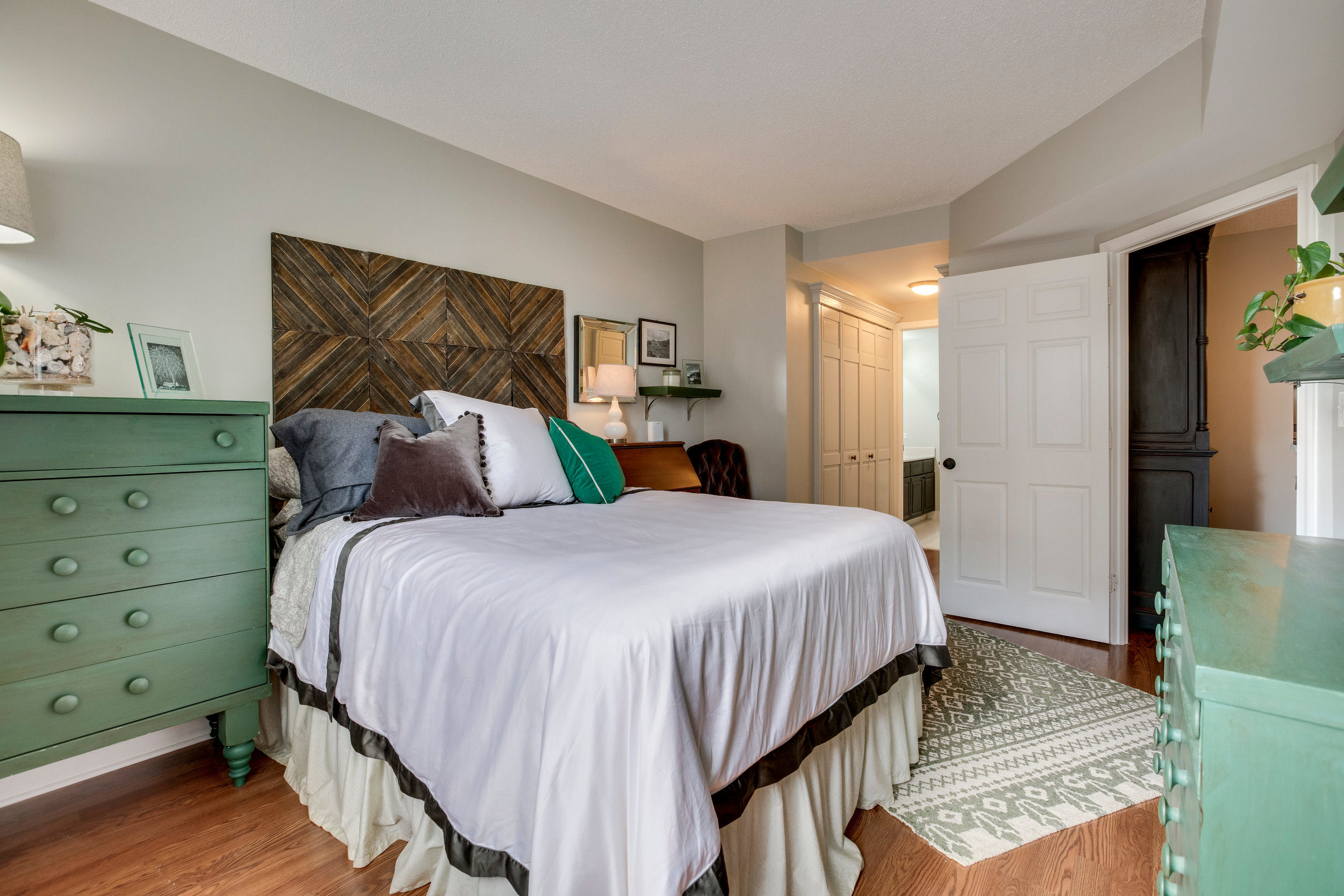 1050 N Taylor St 608 Arlington-print-048-48-Bedroom-4200x2800-300dpi.jpg