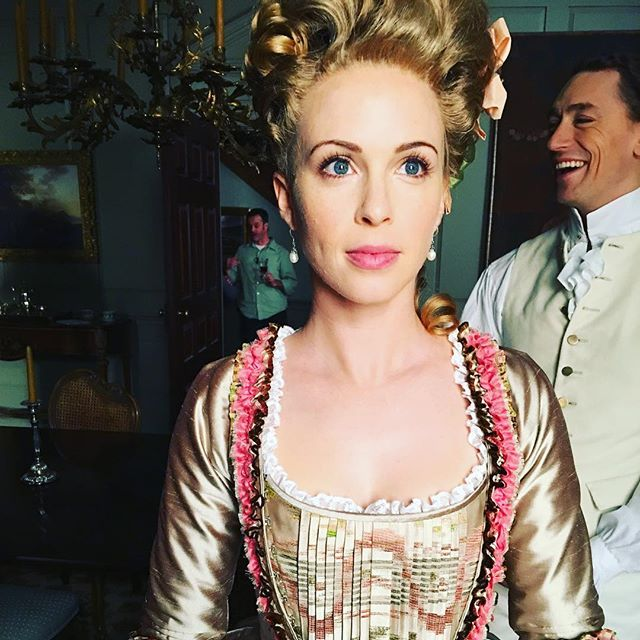 Apparently, while I was getting my hair/makeup touched up, I missed something hilarious going on behind my back! #TBT #Turn #philomena #teamandre #jjfeild #setlife