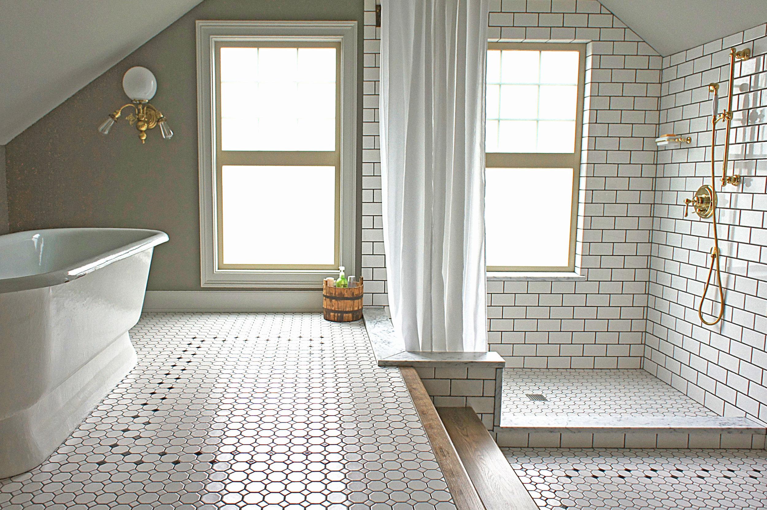 Two Level Bathroom by Kaemingk Design