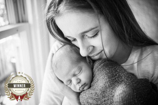 Award-Winning-Newborn-photographer-afns-award-2019.jpg