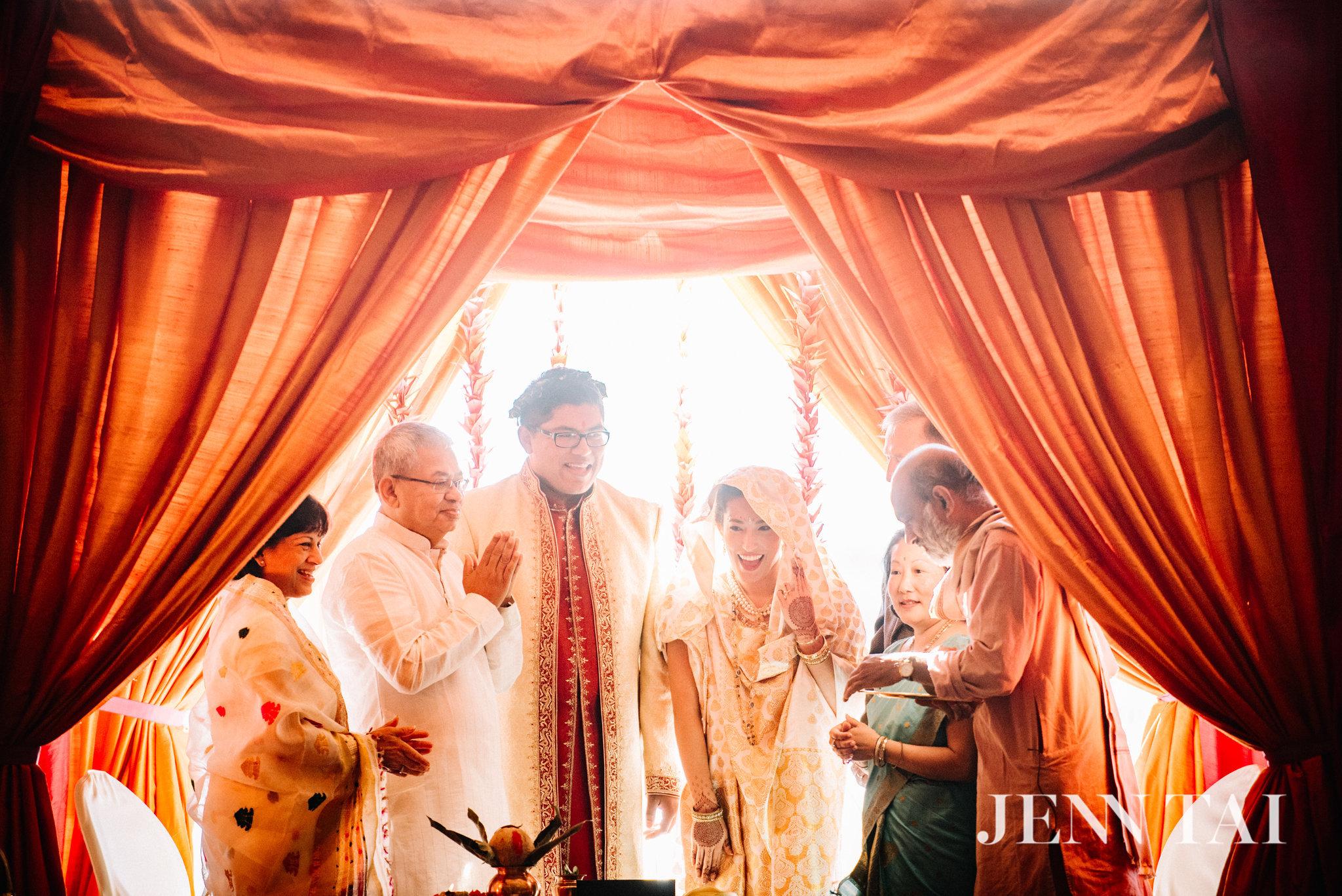 four-seasons-seattle-weddings-julie-and-neel-indian-ceremony_0508.JPG