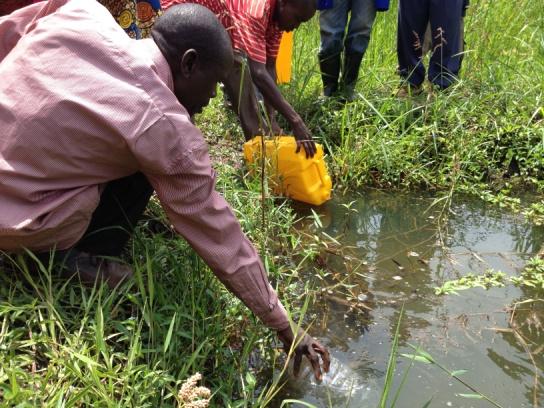 Rwanda - collecting water.docx