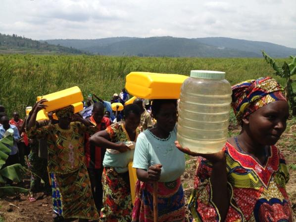 Rwanda - walking for water