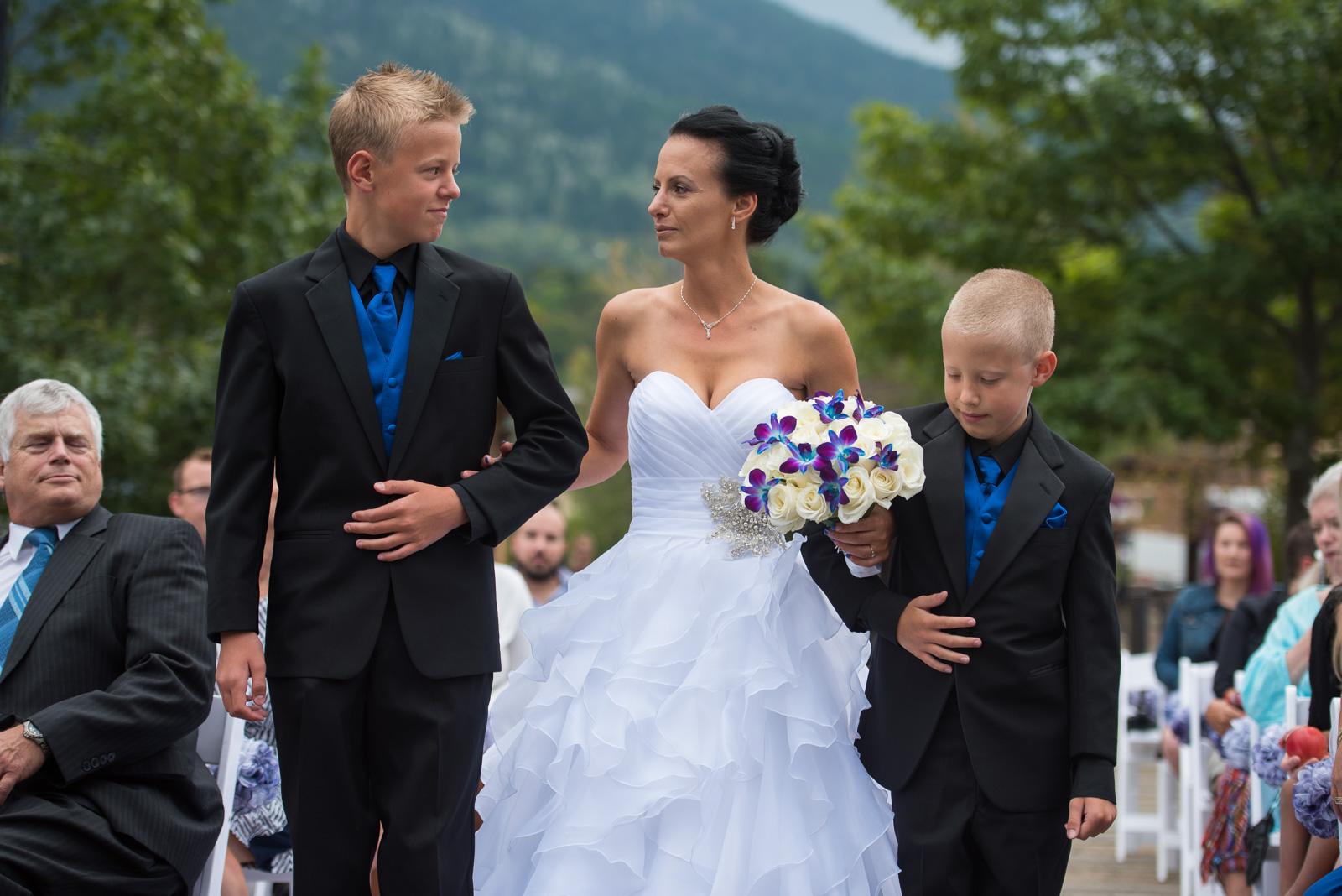 vancouver-island-wedding-photographers-nelson-hume-hotel-wedding-13.jpg
