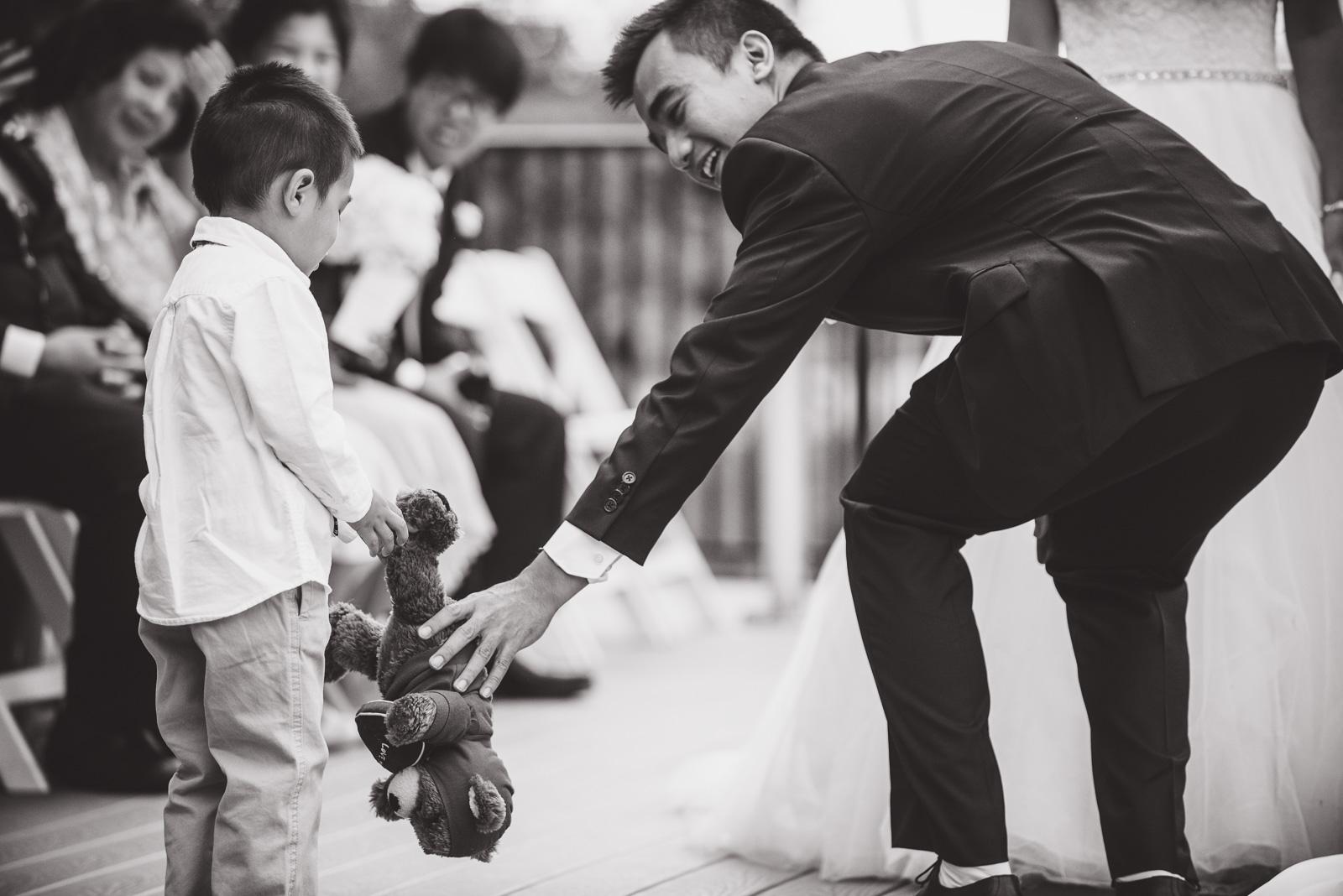 vancouver-island-wedding-photographers-golden-eagle-golf-course-wedding-14.jpg