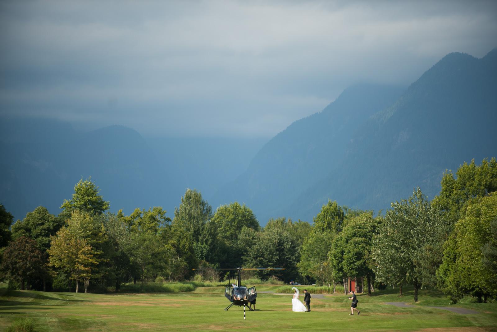 vancouver-island-wedding-photographers-golden-eagle-golf-course-wedding-17.jpg