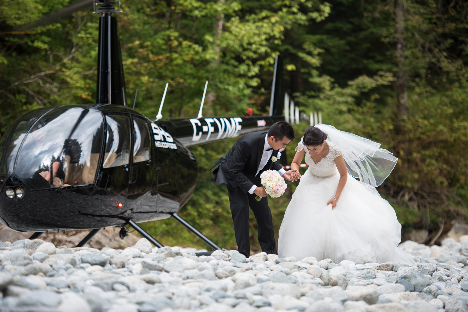 vancouver-island-wedding-photographers-golden-eagle-golf-course-wedding-20.jpg