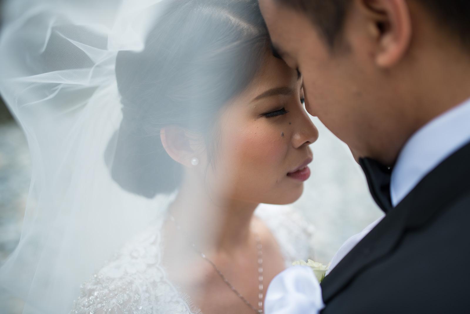 vancouver-island-wedding-photographers-golden-eagle-golf-course-wedding-24.jpg