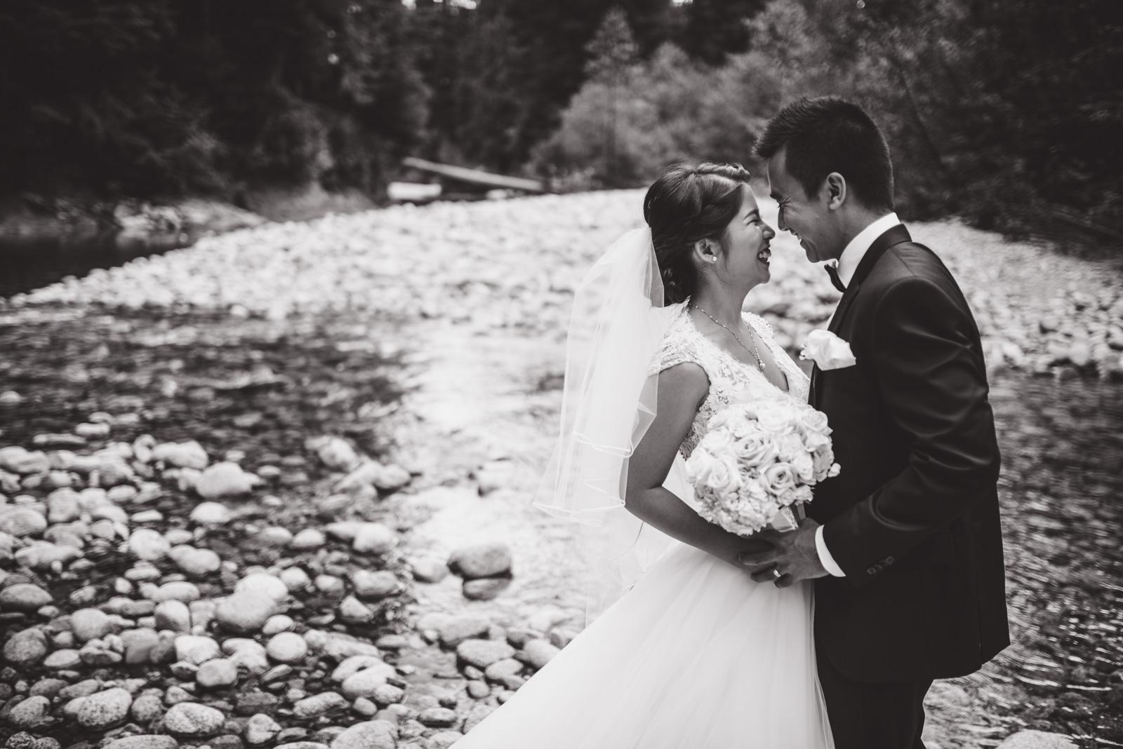 vancouver-island-wedding-photographers-golden-eagle-golf-course-wedding-23.jpg
