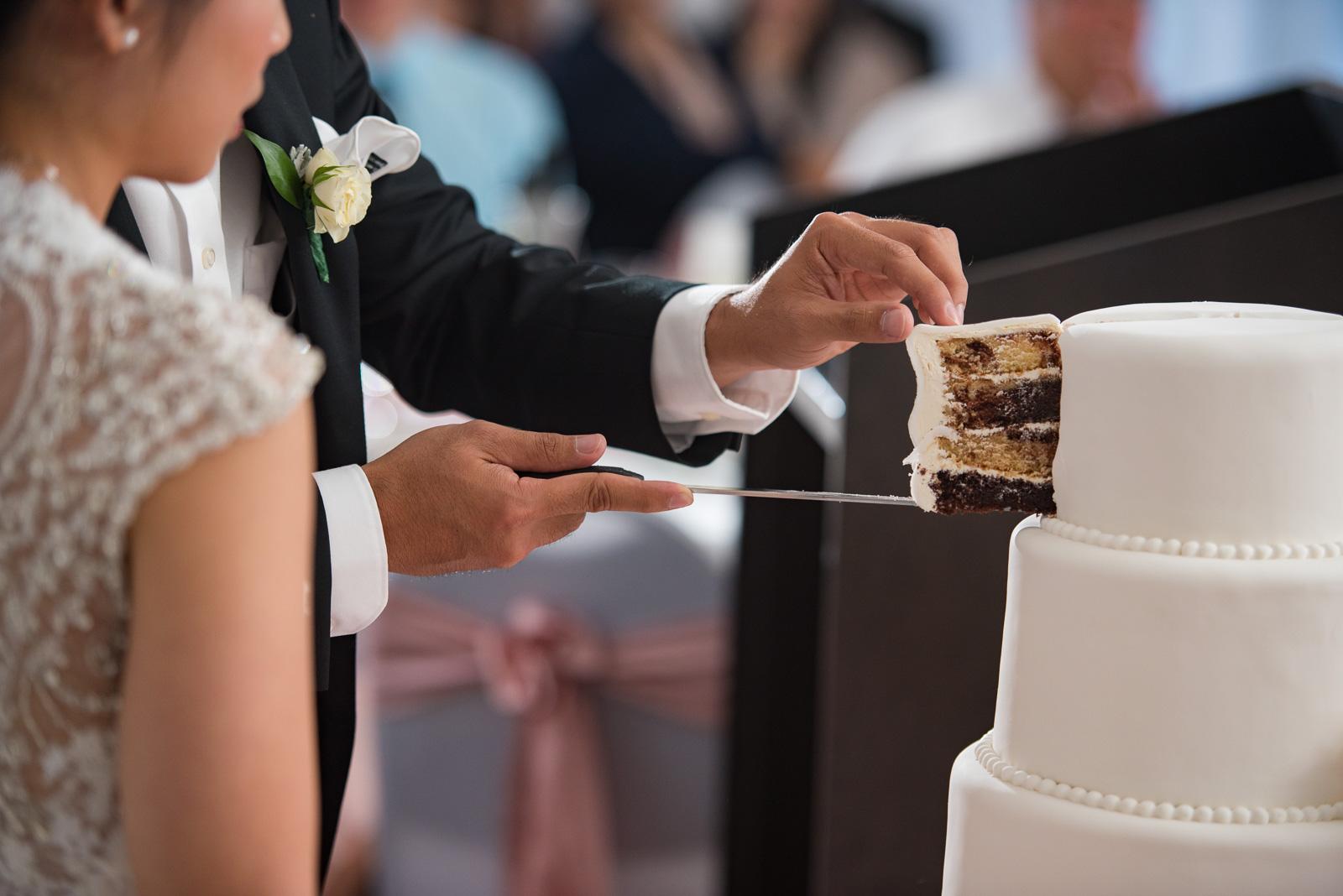 vancouver-island-wedding-photographers-golden-eagle-golf-course-wedding-44.jpg