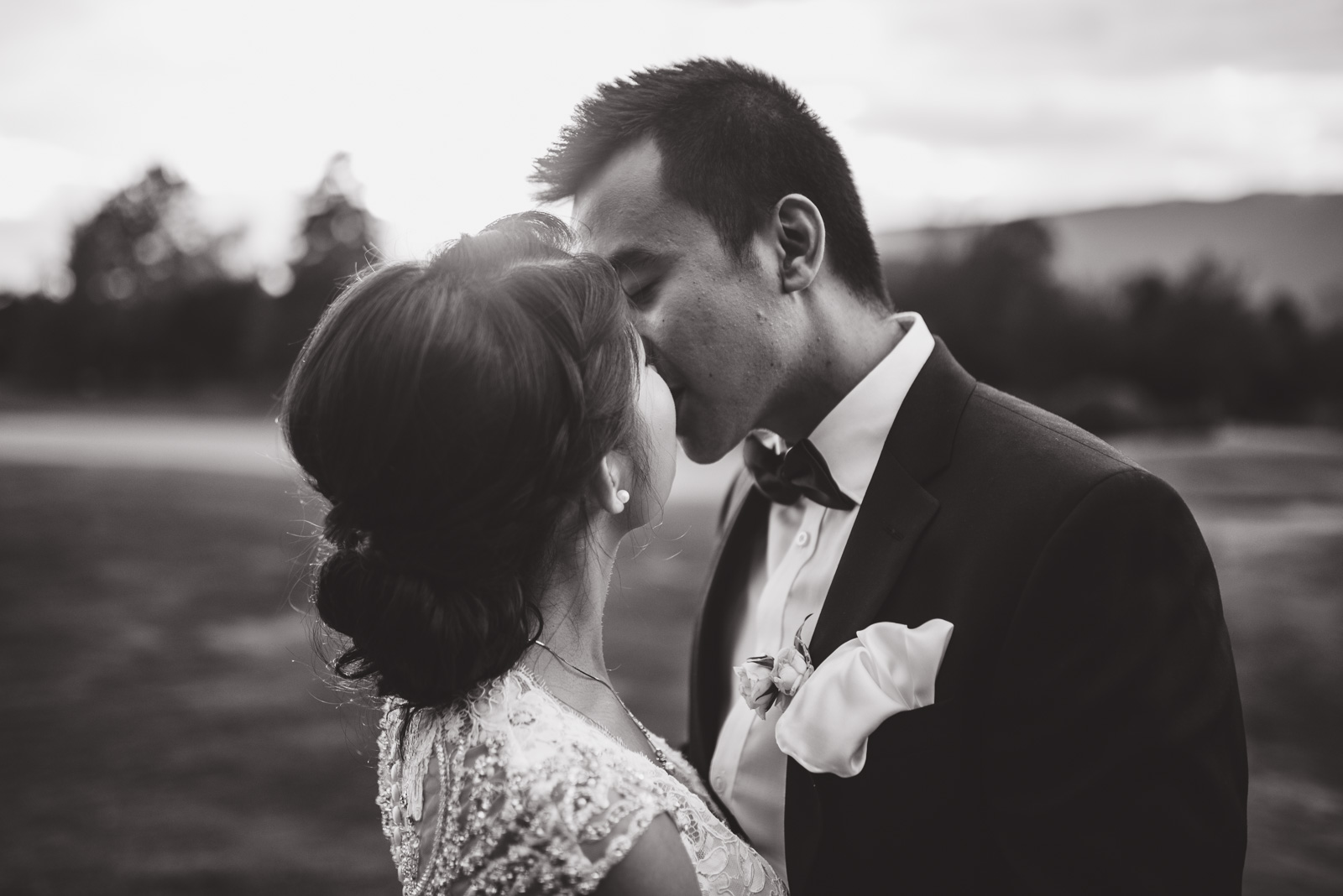 vancouver-island-wedding-photographers-golden-eagle-golf-course-wedding-46.jpg