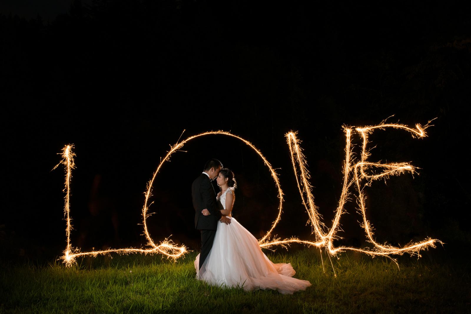 vancouver-island-wedding-photographers-golden-eagle-golf-course-wedding-57.jpg