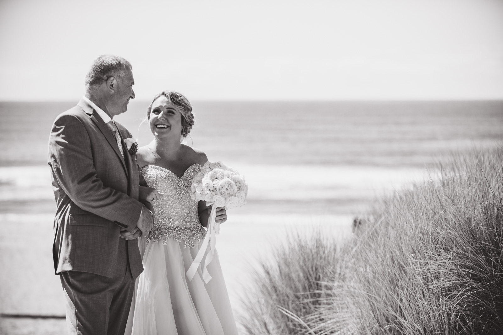 victoria-wedding-photographers-cannon-beach-oregon-wedding-15.jpg
