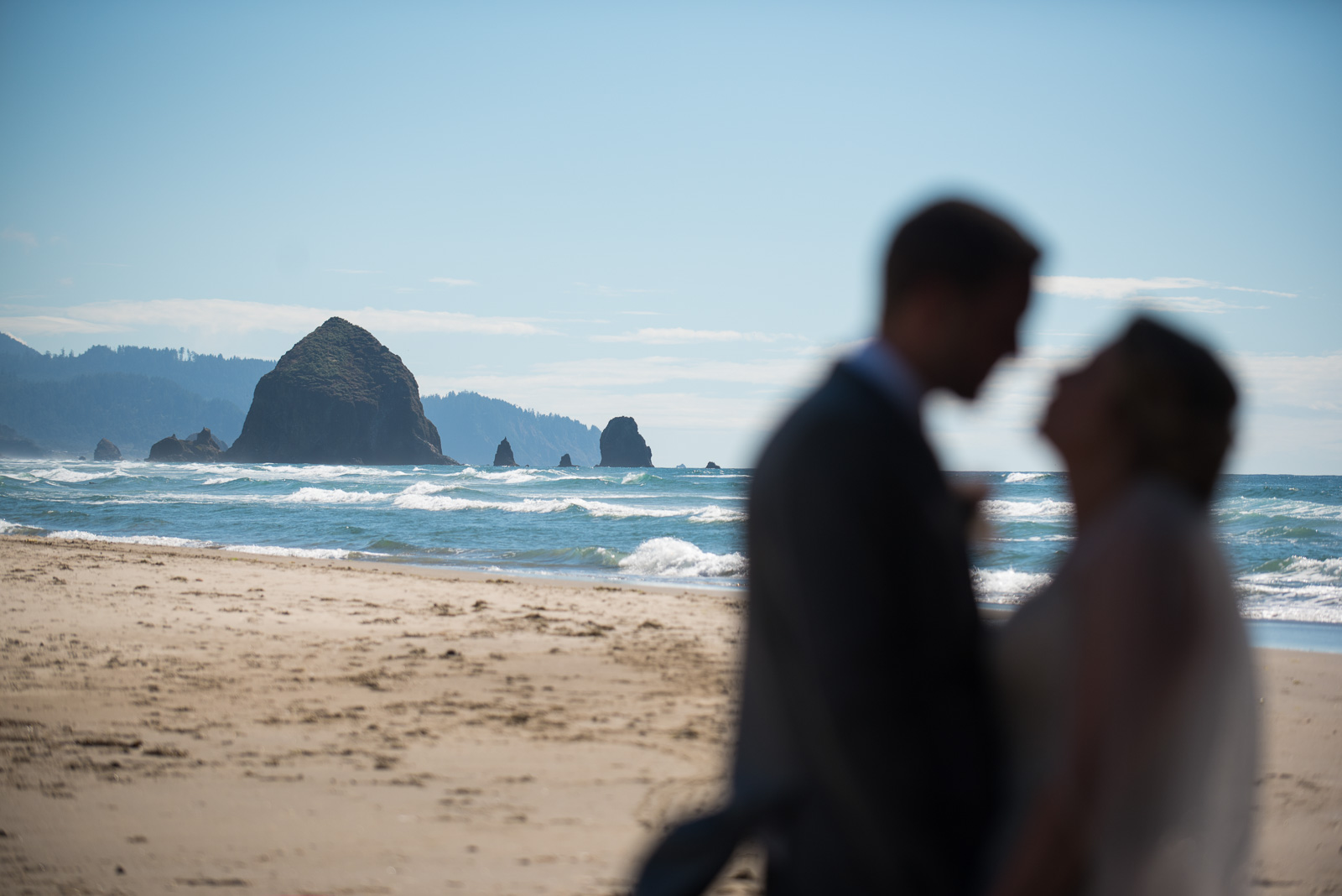 victoria-wedding-photographers-cannon-beach-oregon-wedding-23.jpg