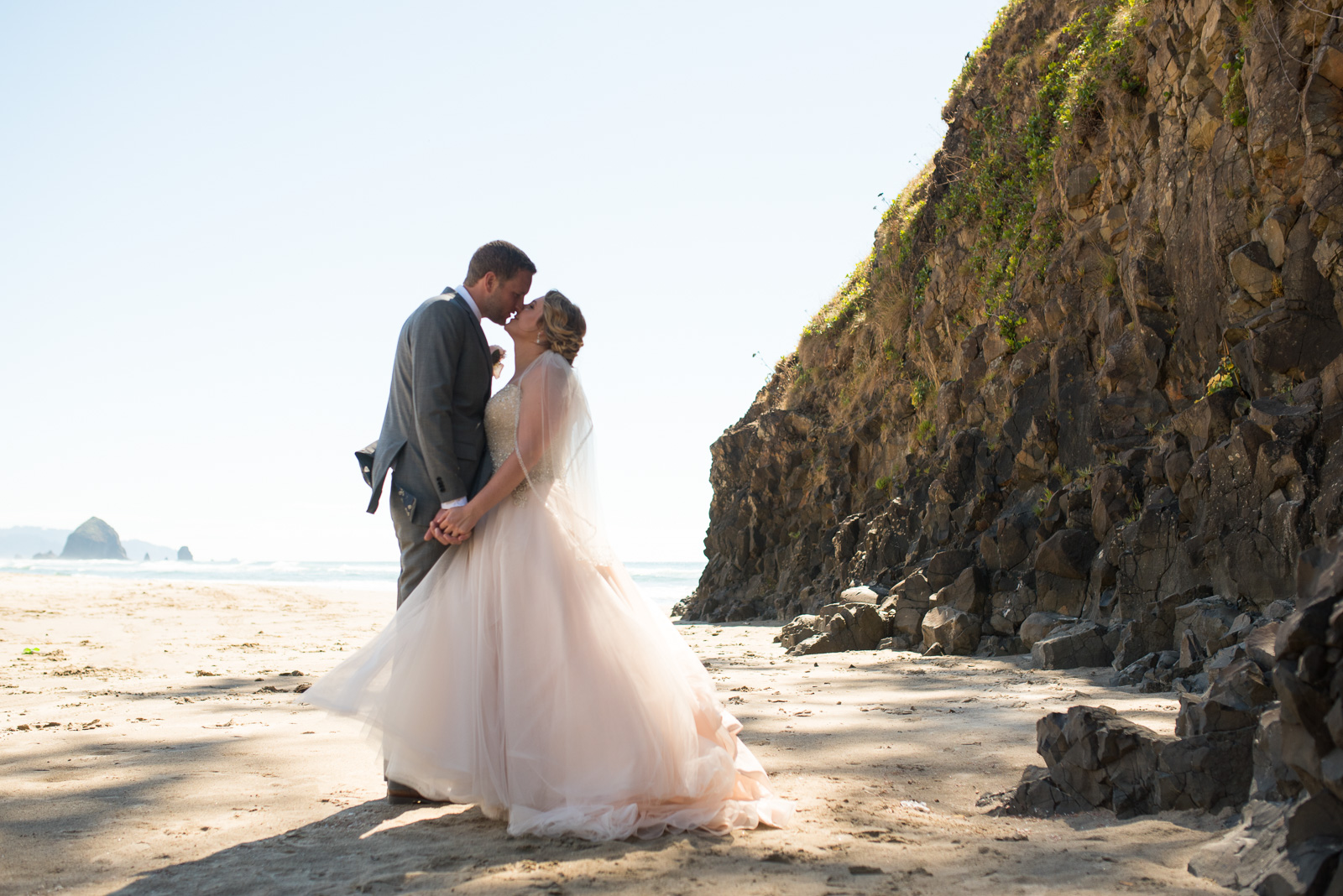 victoria-wedding-photographers-cannon-beach-oregon-wedding-24.jpg