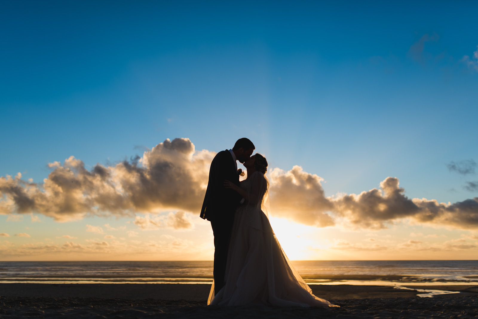 victoria-wedding-photographers-cannon-beach-oregon-wedding-44.jpg