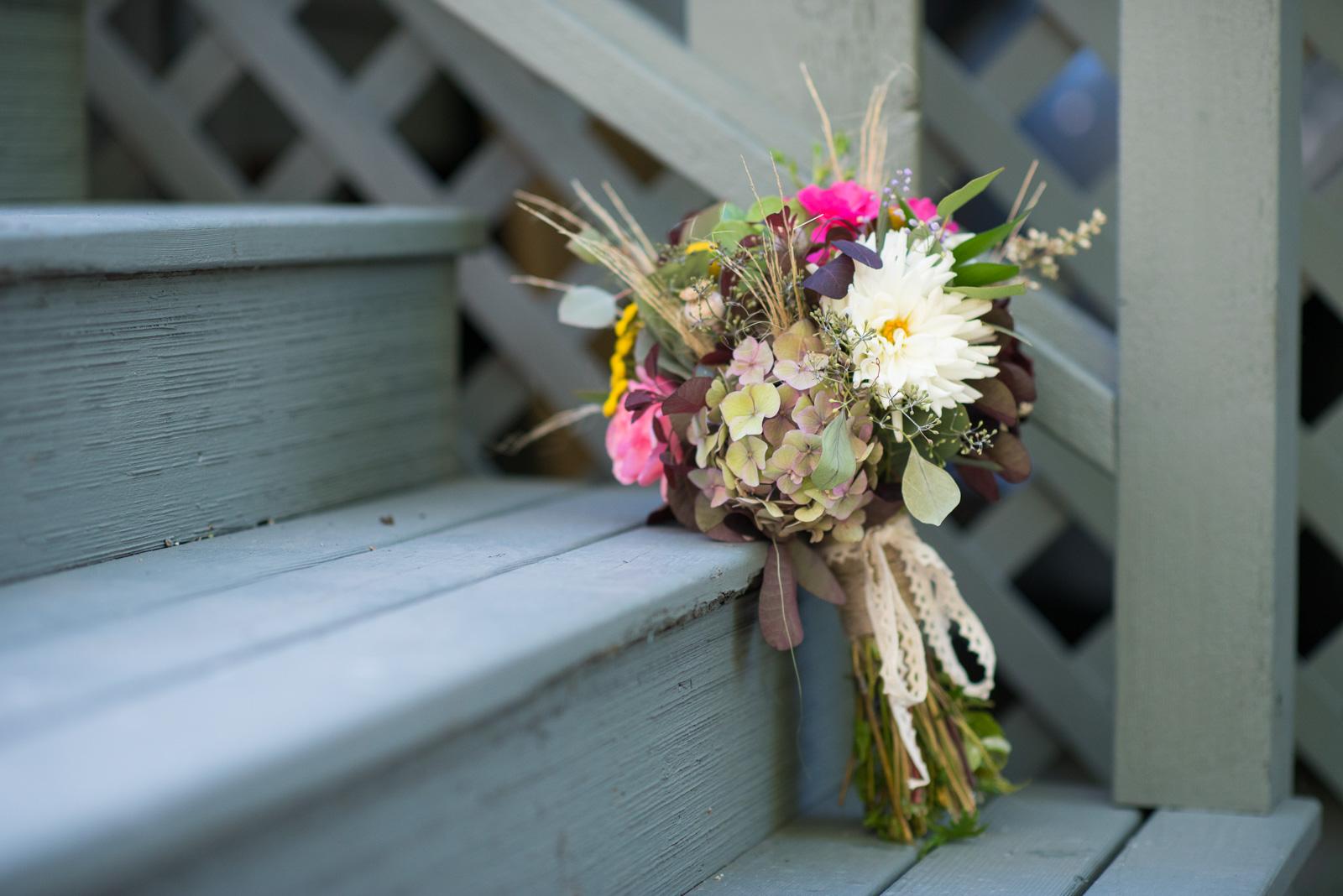 vancouver-island-wedding-photographers-ubc-farm-wedding-4.jpg