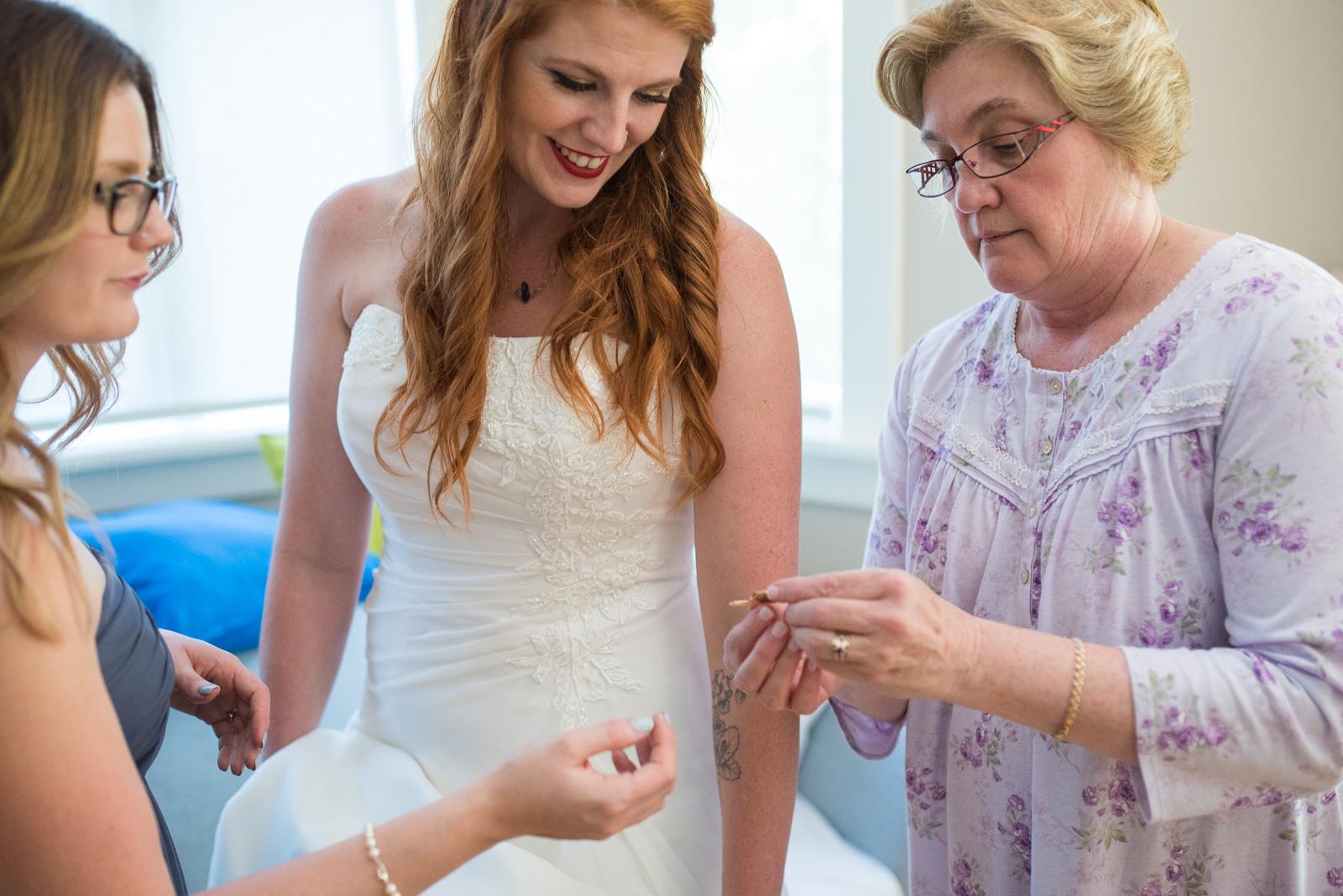 vancouver-island-wedding-photographers-ubc-farm-wedding-9.jpg