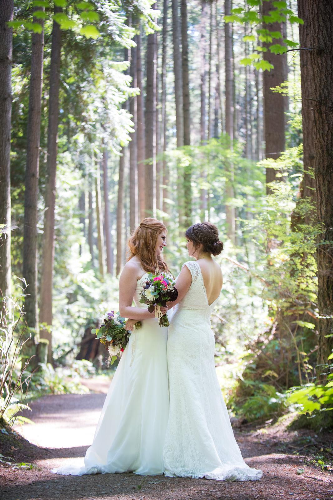 vancouver-island-wedding-photographers-ubc-farm-wedding-15.jpg