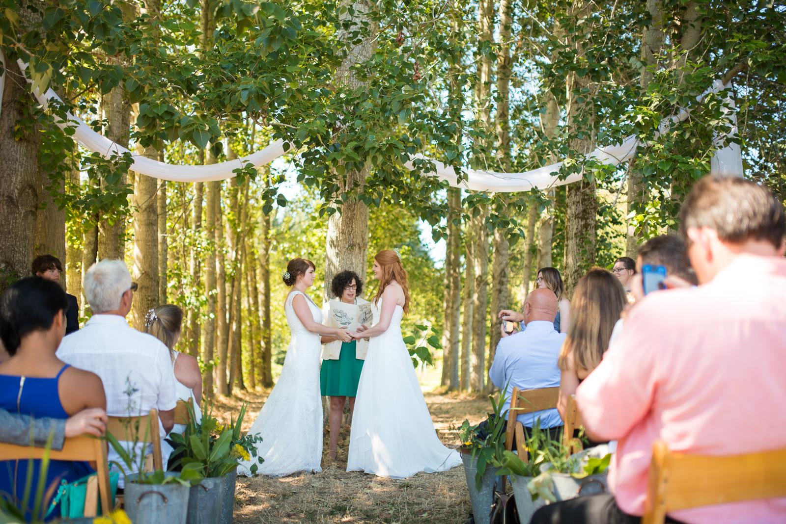 vancouver-island-wedding-photographers-ubc-farm-wedding-20.jpg