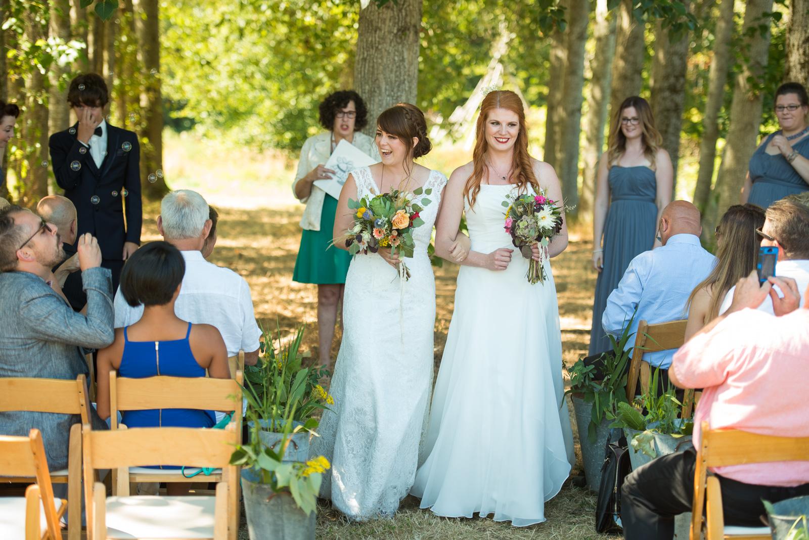 vancouver-island-wedding-photographers-ubc-farm-wedding-24.jpg
