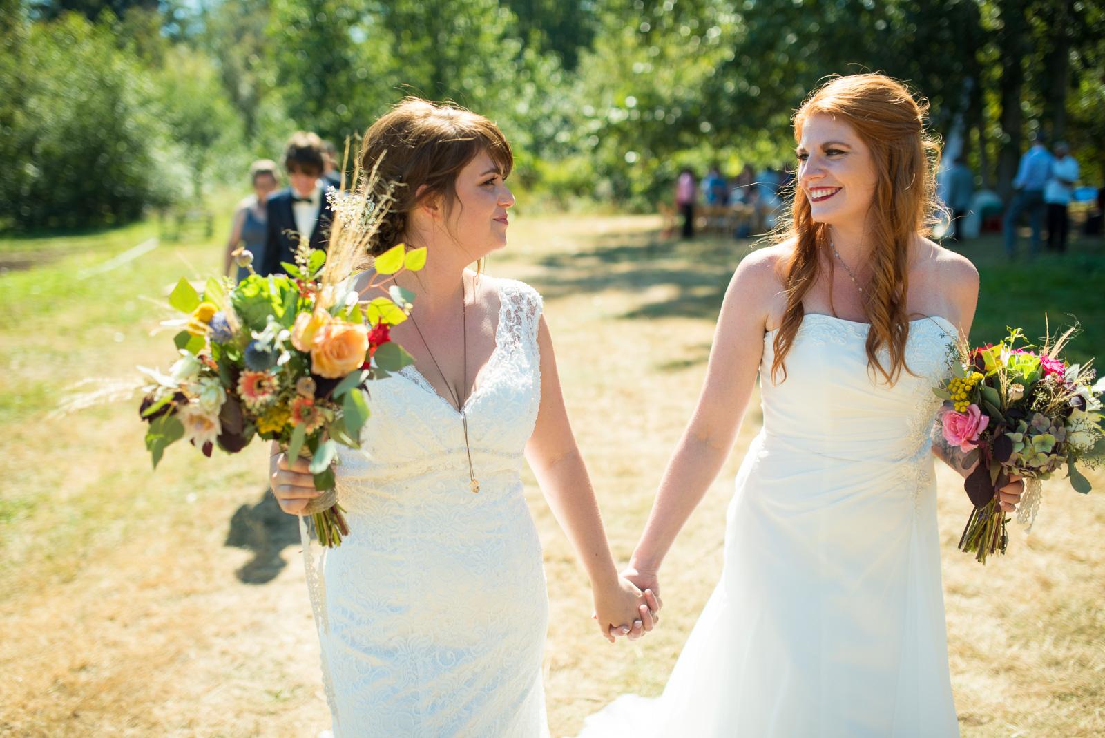 vancouver-island-wedding-photographers-ubc-farm-wedding-25.jpg