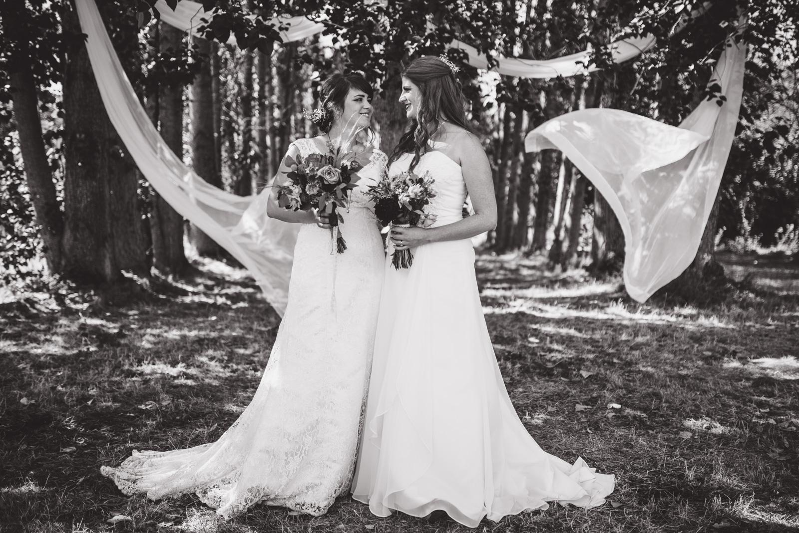 vancouver-island-wedding-photographers-ubc-farm-wedding-29.jpg