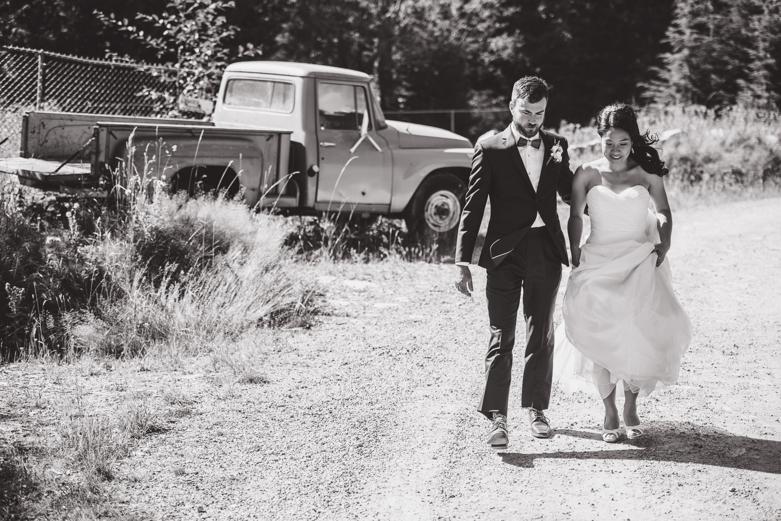 victoria-wedding-photographers-camp-fircom-gambier-island-wedding-29.jpg