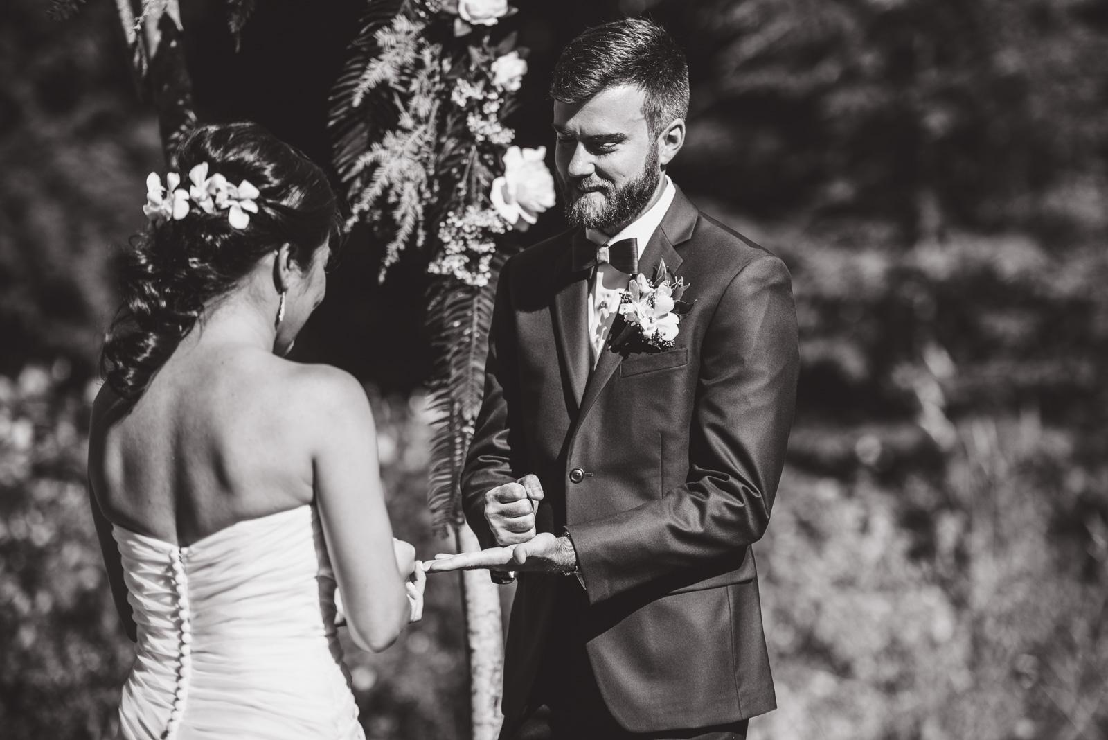 victoria-wedding-photographers-camp-fircom-gambier-island-wedding-34.jpg