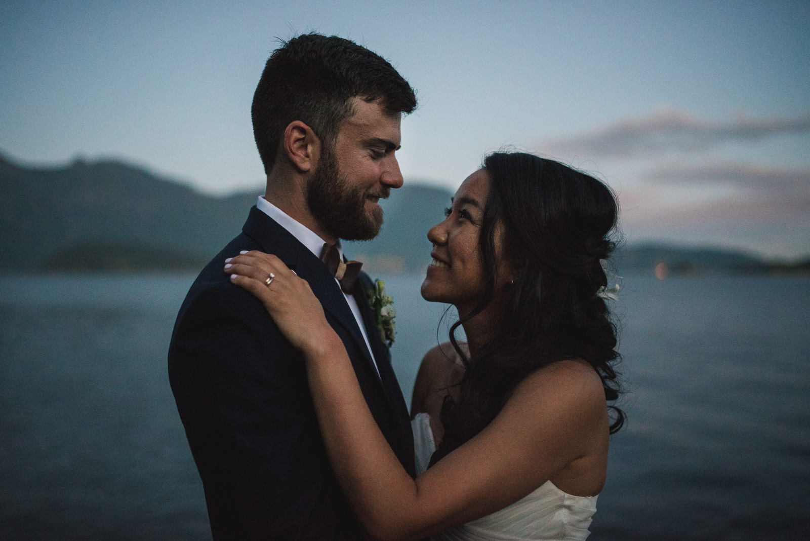 victoria-wedding-photographers-camp-fircom-gambier-island-wedding-60.jpg