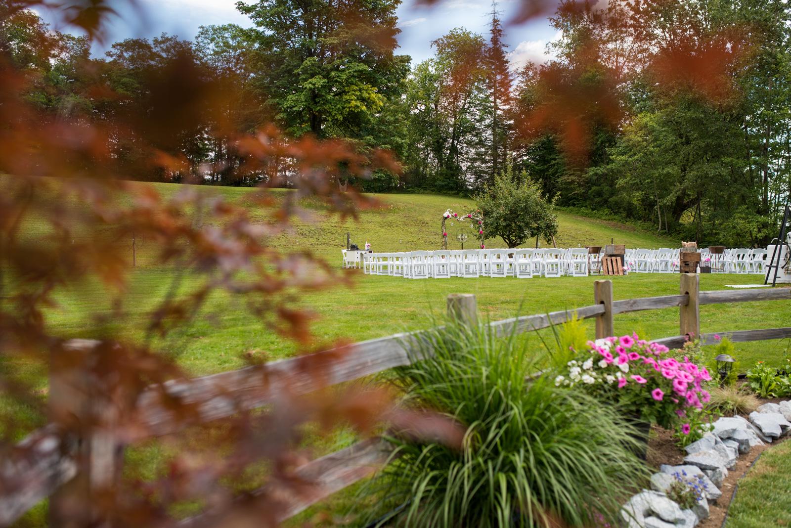 vancouver-island-wedding-photographers-backyard-wedding-mission-bc-16.jpg