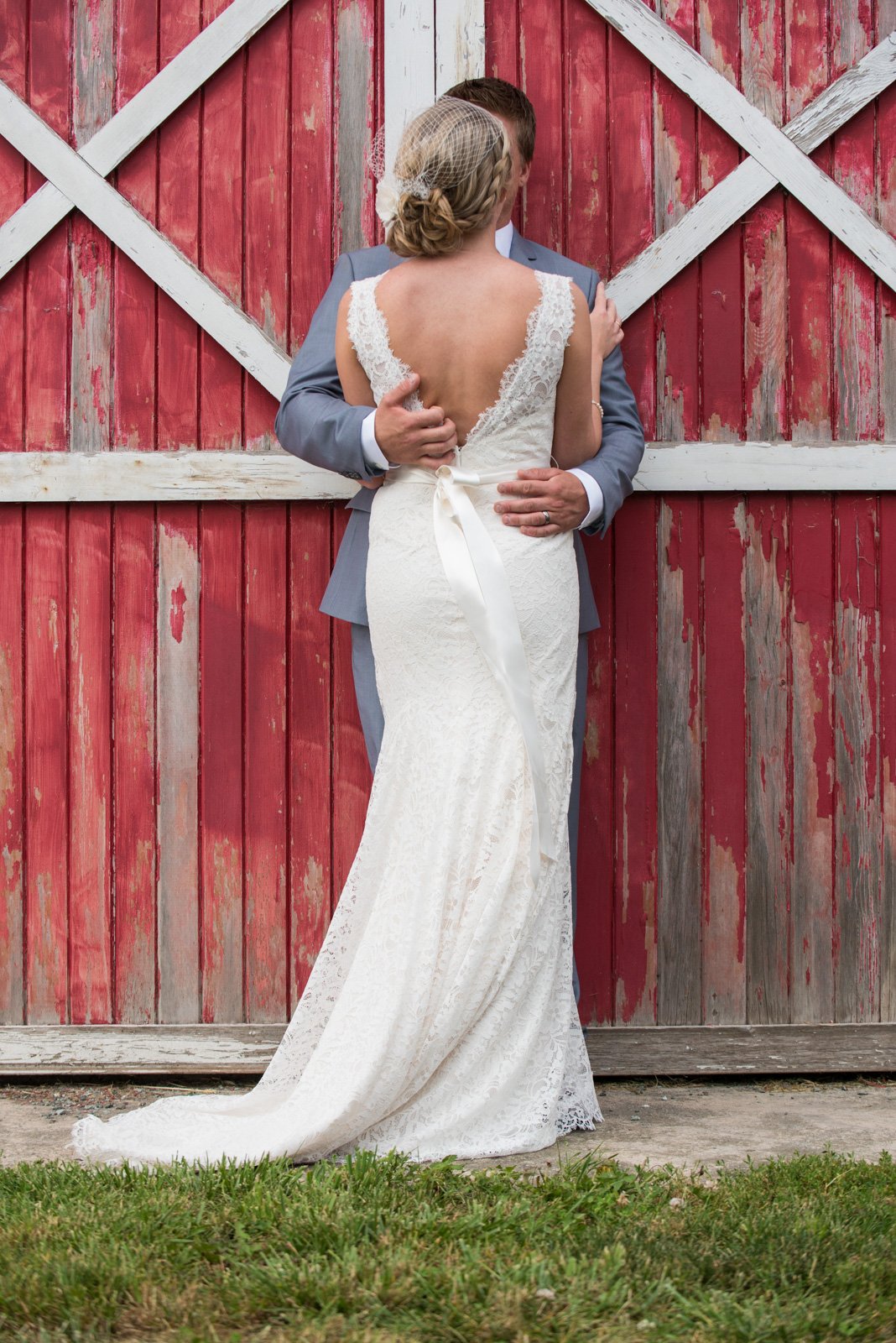 vancouver-island-wedding-photographers-backyard-wedding-mission-bc-28.jpg