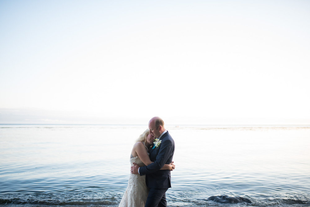 sooke-wedding-photographers-craidelonna-oceanedge-lodge-wedding-38.jpg