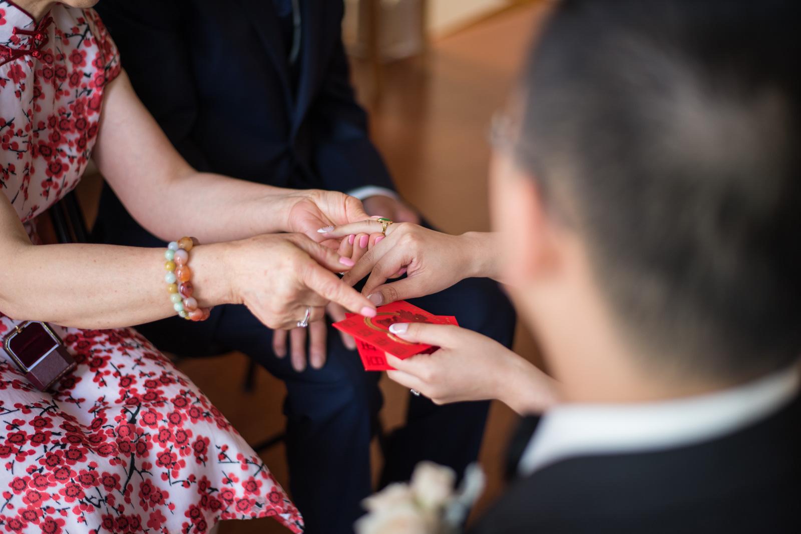 vancouver-island-wedding-photographers--brock-house-restaurant-wedding-14.jpg