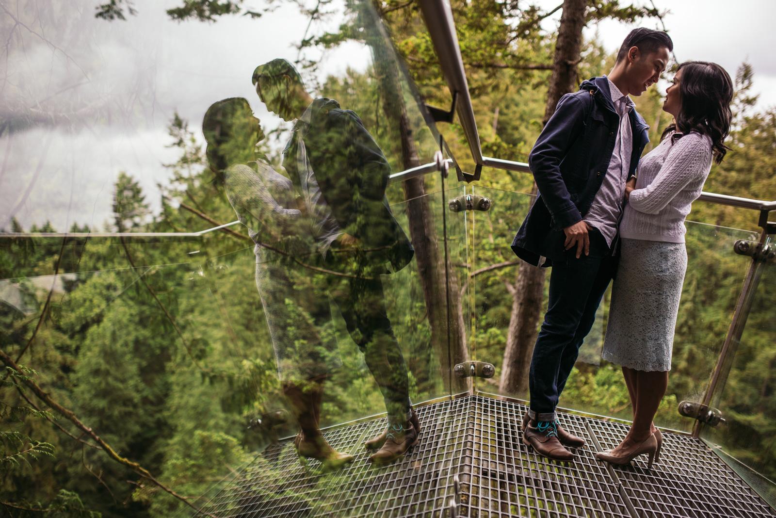 vancouver-island-wedding-photographers-capilano-suspension-bridge-engagement-4.jpg