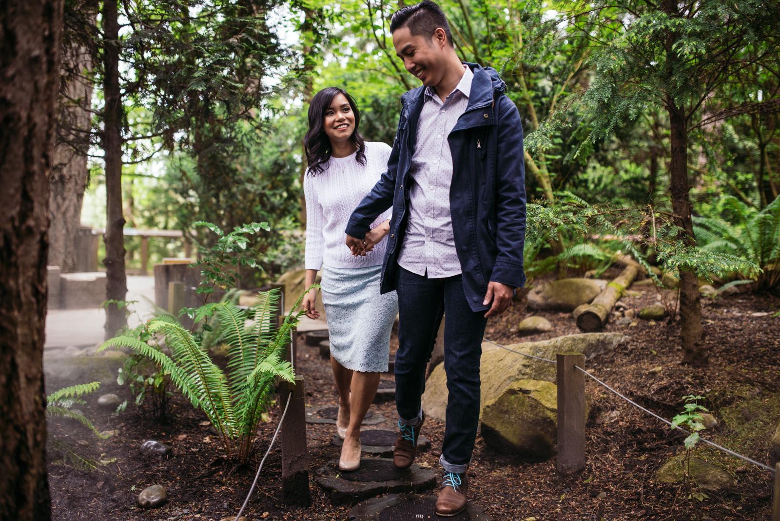 vancouver-island-wedding-photographers-capilano-suspension-bridge-engagement-5.jpg