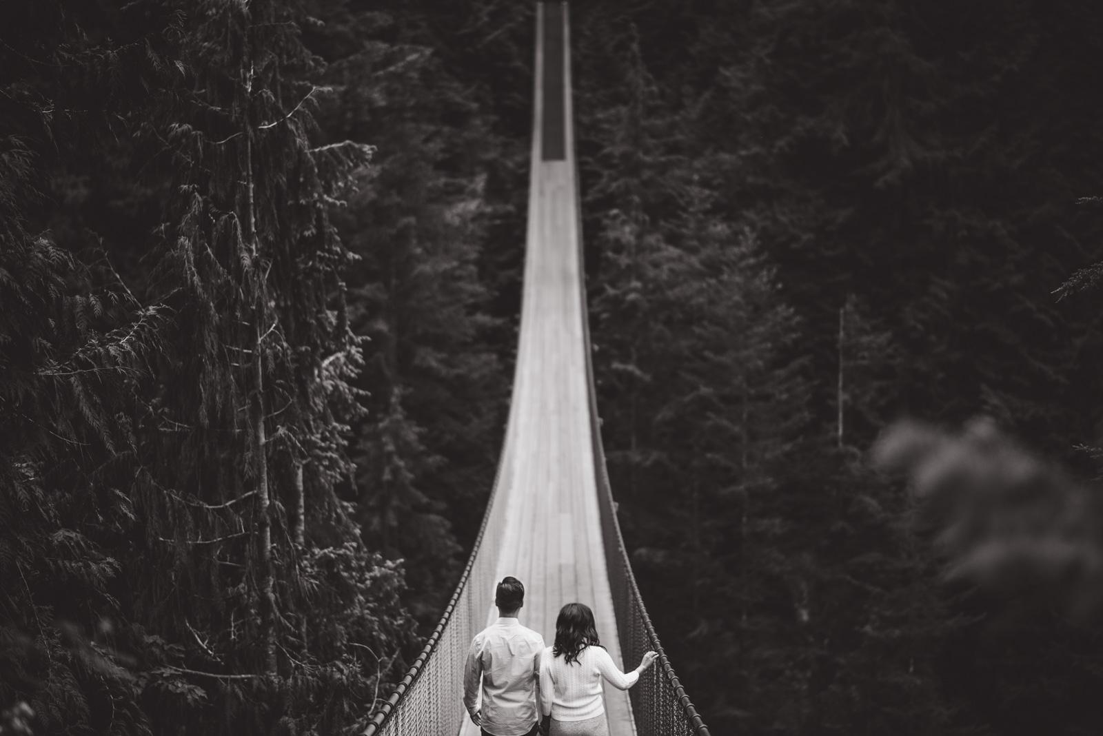 vancouver-island-wedding-photographers-capilano-suspension-bridge-engagement-10.jpg