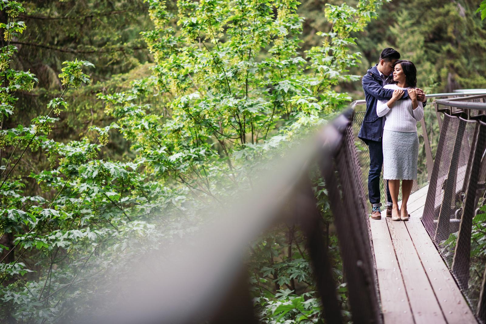 vancouver-island-wedding-photographers-capilano-suspension-bridge-engagement-9.jpg