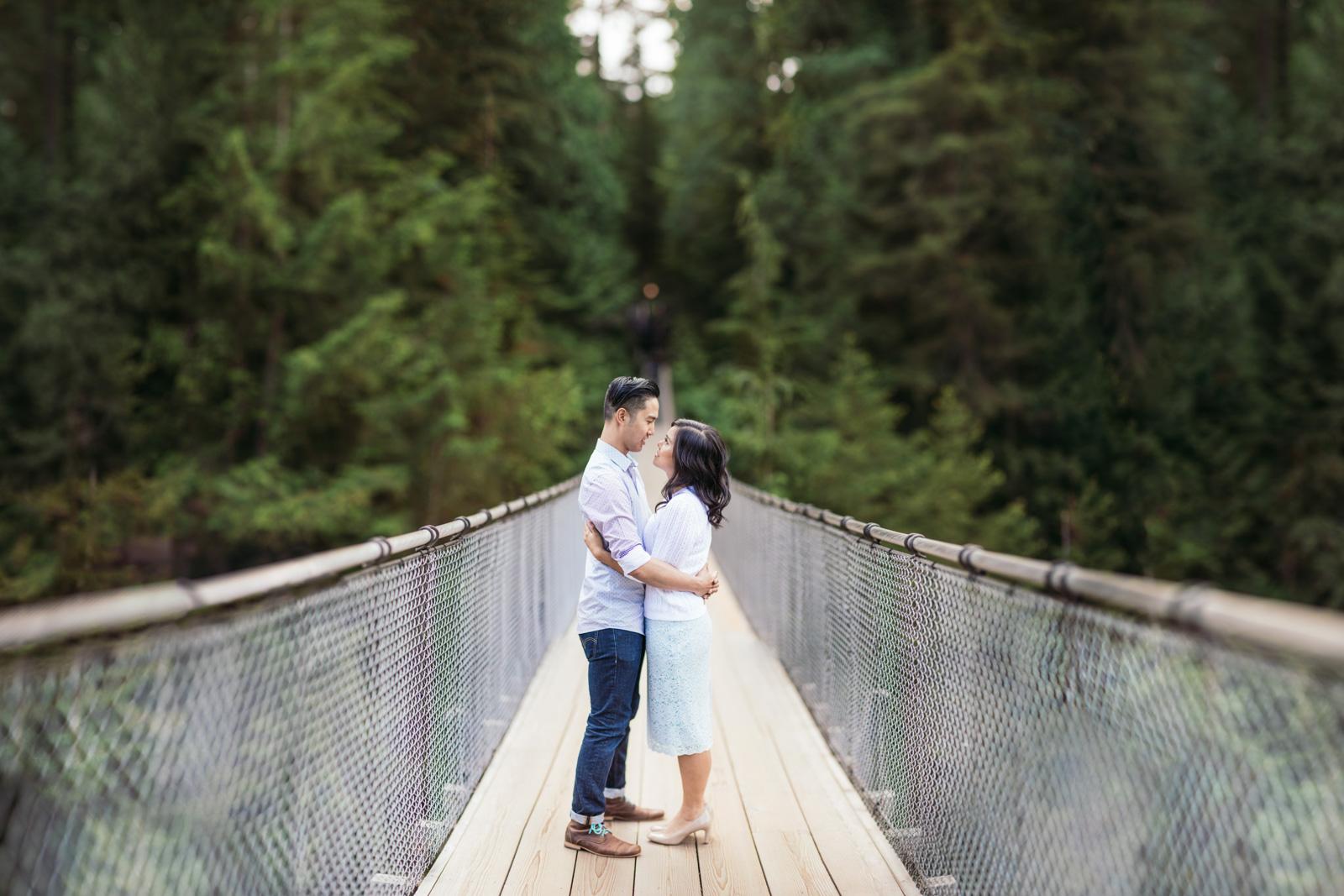 vancouver-island-wedding-photographers-capilano-suspension-bridge-engagement-11.jpg